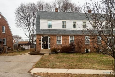8 Raleigh Way Portsmouth NH 03801