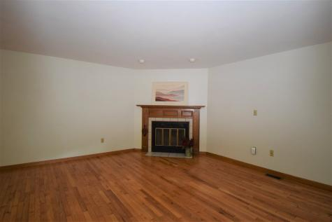 153 Coffin Epping NH 03042