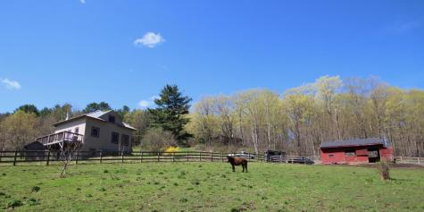 21 Meadow View Lane Hartland VT 05048