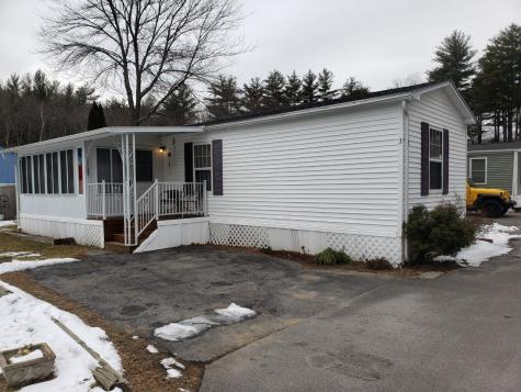 3 Barksdale Avenue Londonderry NH 03053