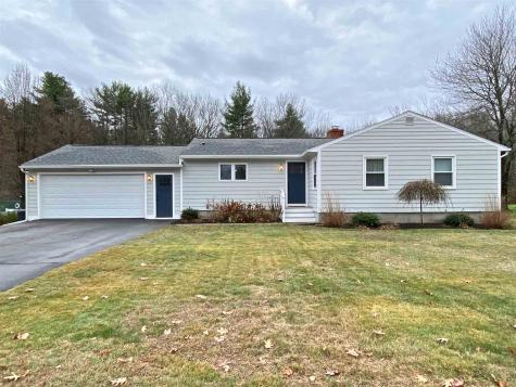 12 Hobbs Road North Hampton NH 03862