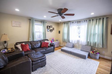 14 Auburn Street Plaistow NH 03865