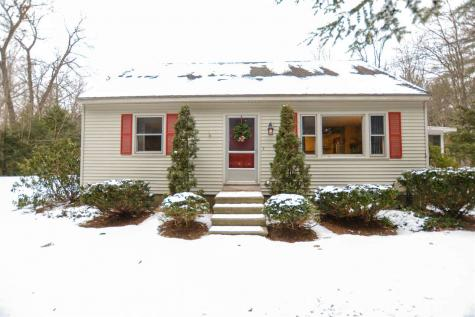 11 Leavitt Road Fremont NH 03044