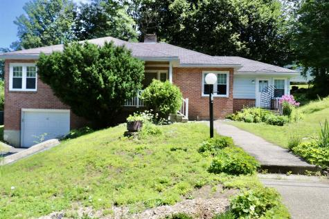 12 Acer Heights Road Claremont NH 03743