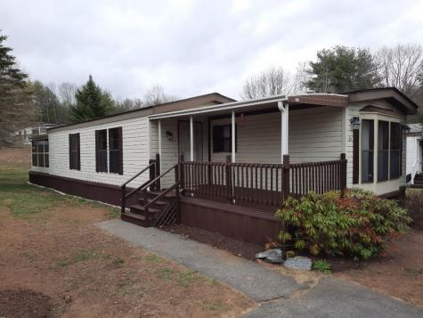 24 Cherokee Way Rochester NH 03867-5147