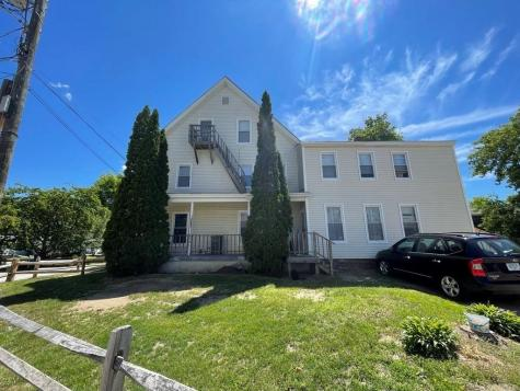 21 Cleveland Place Laconia NH 03246