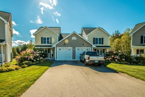 27 Intervale Outlook Circle Conway NH 03860
