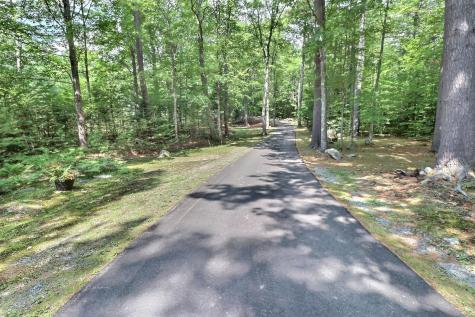 106 Meadowbrook Road New London NH 03257