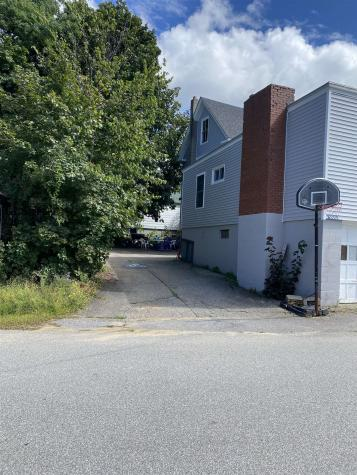 82 Oak Street Laconia NH 03246