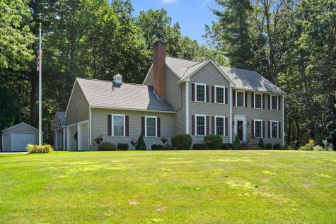 7 Chase brook Drive Londonderry NH 03053