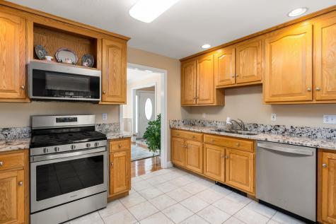 3 Homestead Lane Brentwood NH 03833