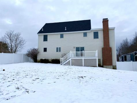 16 Trishas Way Stratham NH 03885