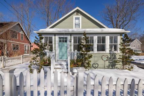 27 Thaxter Road Portsmouth NH 03801