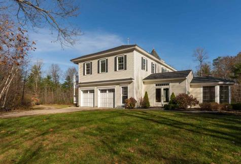 38 Rowell E Road Brentwood NH 03833