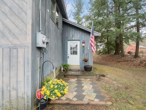 907 Whitney Grove Road Derry NH 03038