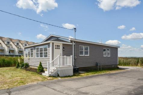 527 Ocean Boulevard Hampton NH 03842
