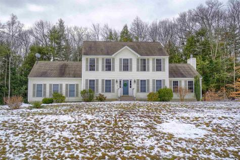 27 Strawberry Lane Raymond NH 03077