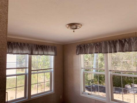 28 RIVERVIEW Drive Rochester NH 03867