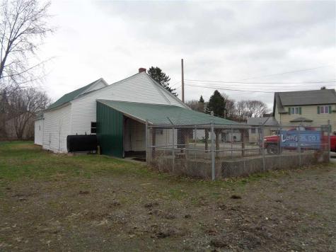 5 Hill Avenue Colebrook NH 03576