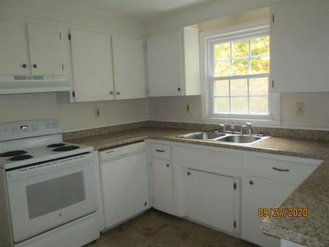 66 South Street Londonderry NH 03053