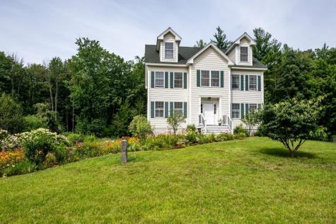 8 Peaslee Road Rochester NH 03867-4523