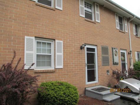 910 Elmwood Drive Hudson NH 03051