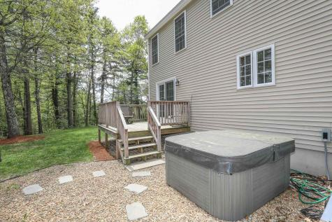 146 Fordway Extension Derry NH 03038