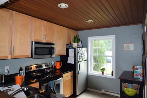 17 Conifer Court Burlington VT 05401