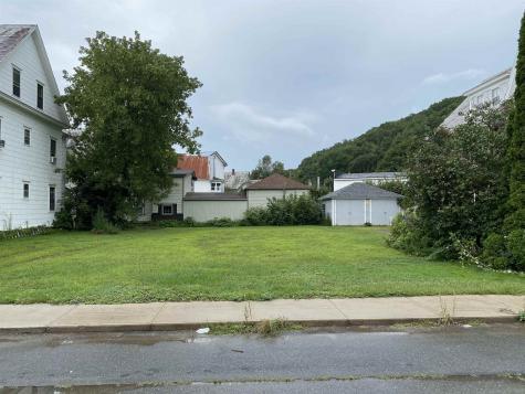 14 Tuttle Street Rockingham VT 05101