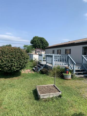 16 Windy Acres Park Charlestown NH 03603