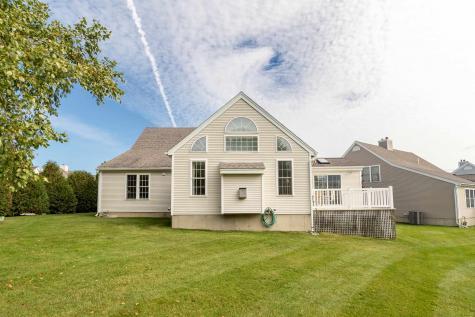 56 Hampton Meadows Hampton NH 03842-1814