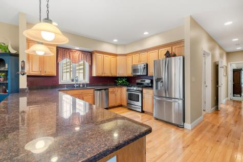 18 Nevins Drive Londonderry NH 03053