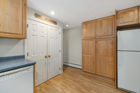 20 Sherman Avenue Brentwood NH 03833