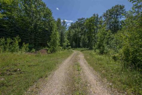 8 Lindas Way Moultonborough NH 03254