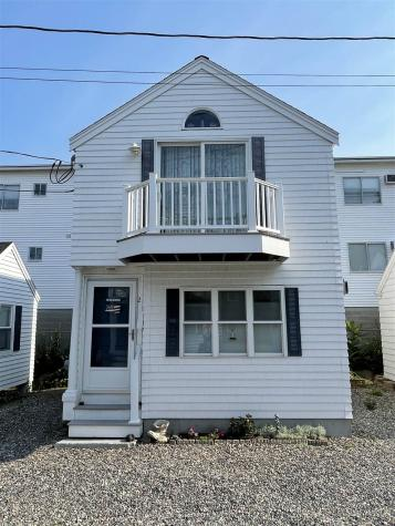 17 Whitten Street Hampton NH 03842
