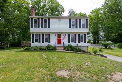 17 Lancaster Drive Londonderry NH 03053