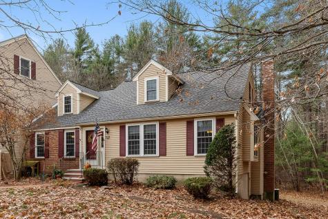 16 Seaver Brook Lane Plaistow NH 03865