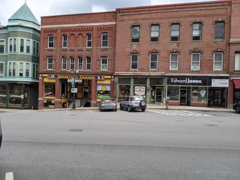The Square Rockingham VT 05101