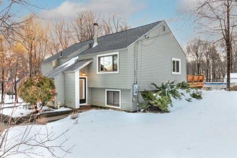 42 Redfield Circle Derry NH 03038