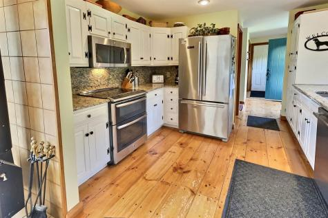 67 Hayfield Lane New London NH 03257