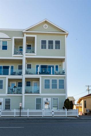 33 Ocean Boulevard Hampton NH 03842