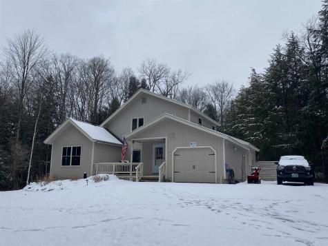 1593 Marsh Family Road Hartford VT 05059