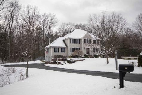 15 Quentin Drive Londonderry NH 03053