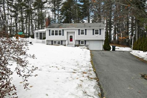 7 Longwood Avenue Londonderry NH 03053