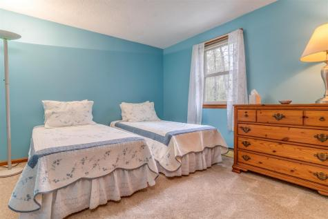 46 Ledgeview Drive Rochester NH 03839