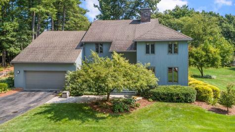 15 Martingale Road Amherst NH 03031