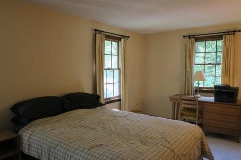 16 Pine Grove Road Exeter NH 03833