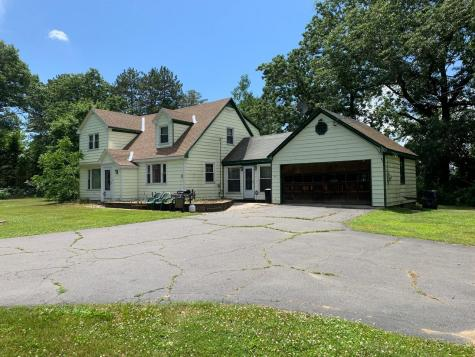 29 Strawberry Lane Hinsdale NH 03451
