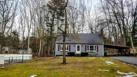 8 Greystone Avenue Plaistow NH 03865