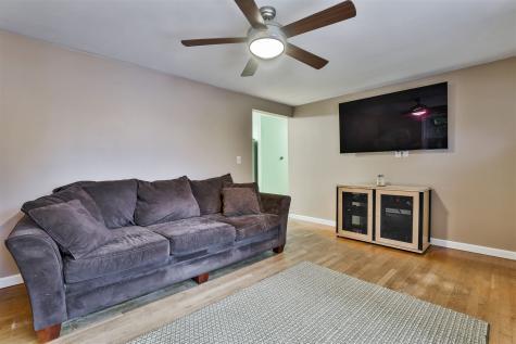 45 White Plains Drive Nashua NH 03062